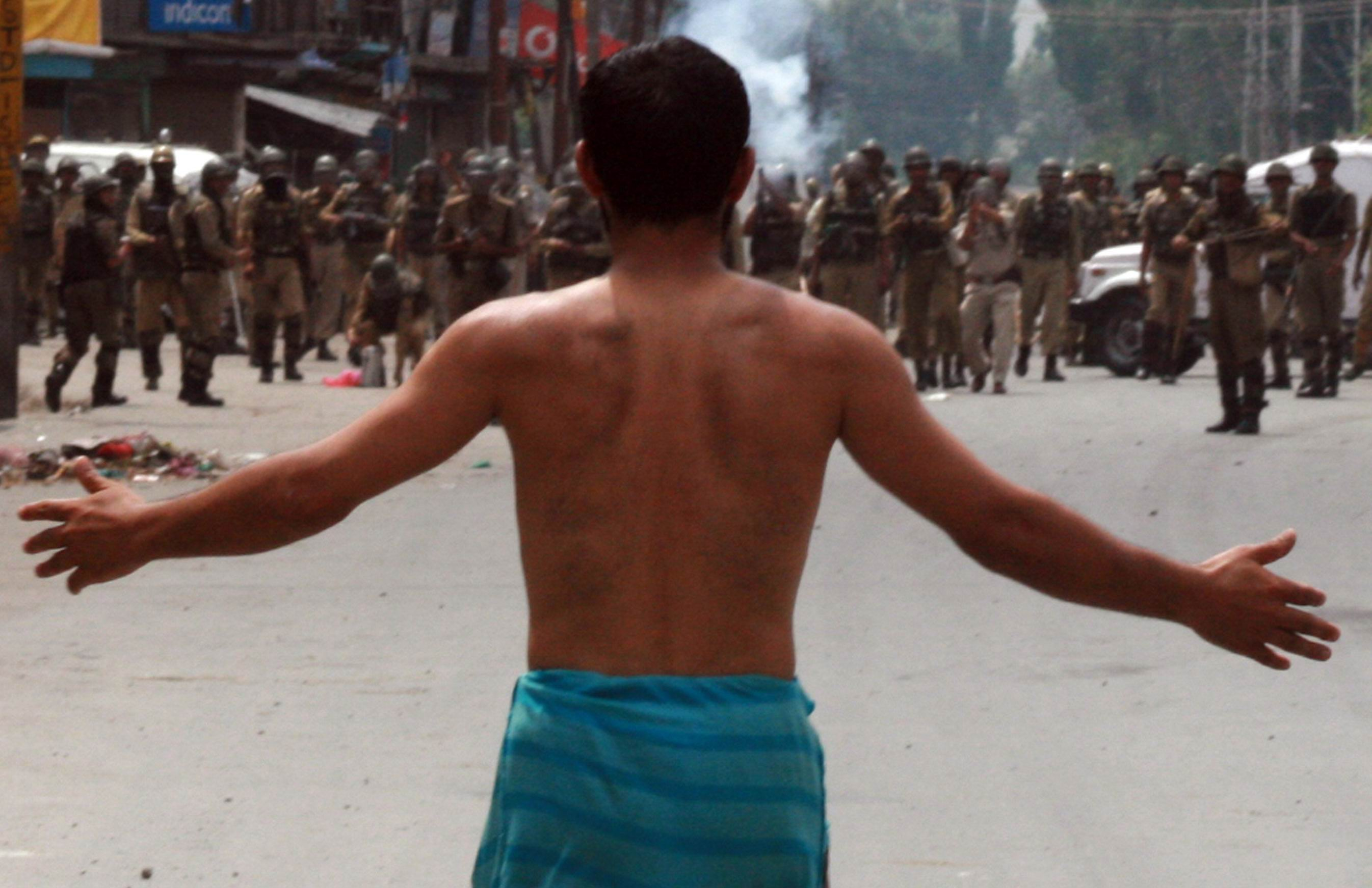 photo essay kashmir bullets for stones ceasefire magazine a