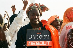 """Against expensive cost of life, Stand Up"". Dakar, December 2011 protests (Photo: Oualid Khelifi)"