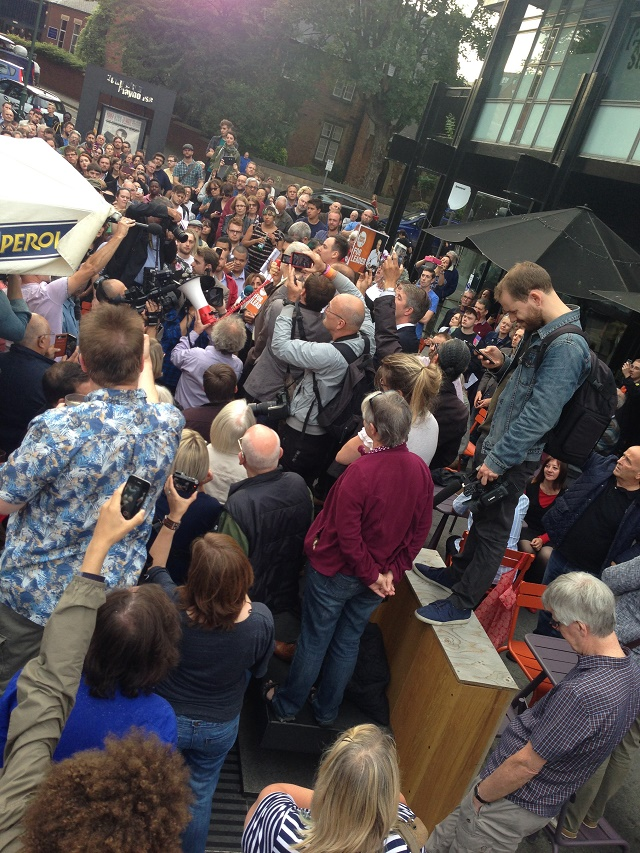 Jeremy Corbyn addresses overflow crowd ahead of his Nottingham rally, 20 August 2015 (Image: Ceasefire)